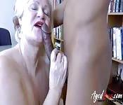 Vilaine mamie baisée par une grosse queue noire