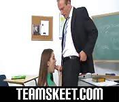 Colegiala a solas con su profesor