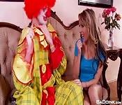 Der Teenager und der Clown