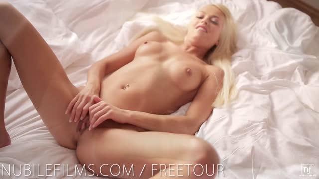 erotismo a letto masagio porno
