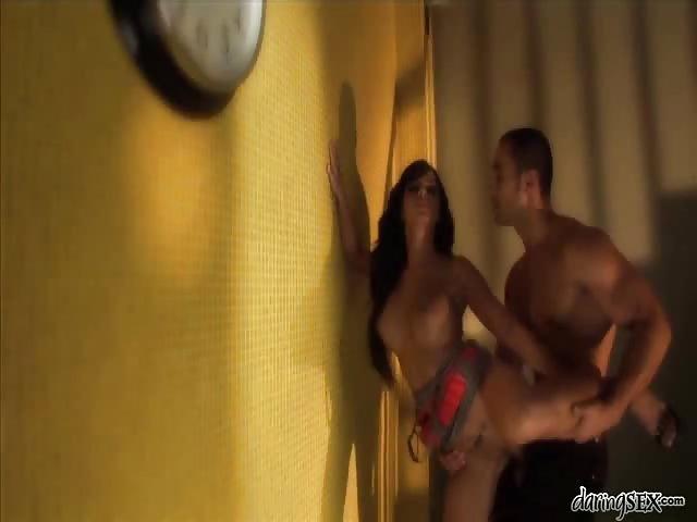 Debout anal photos de sexe