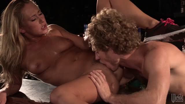 miley cyrus uprawia seks lesbijski sposoby na seks analny