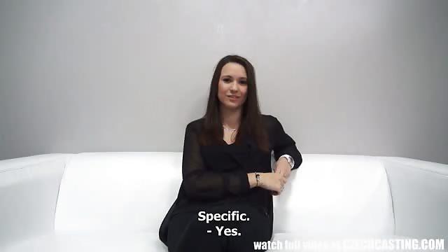 Sexy Zierliche Amateurin Will über Casting Ins Biz